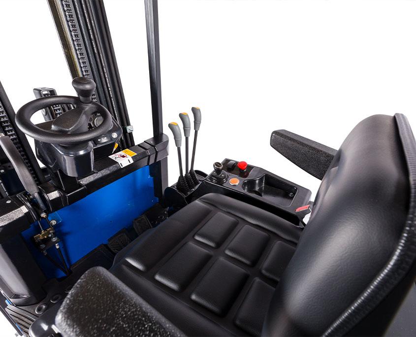 overblik over gaffeltruck førerkabine