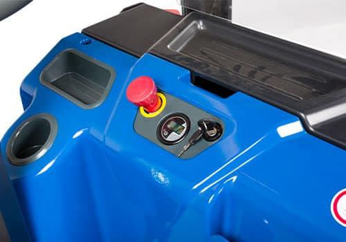 betjeningspanel til elektrisk stabler med friløft