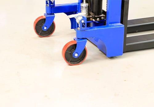 støjsvage polyurethanhjul til manuel skubbestabler